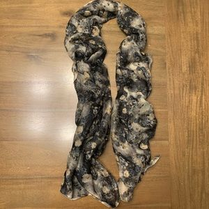 Beautiful Thin Flower Scarf